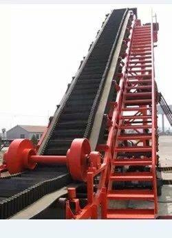 Large inclination conveyor